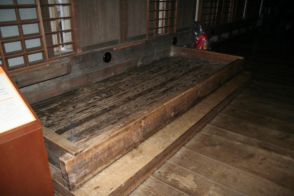 姫路城天守の流し台