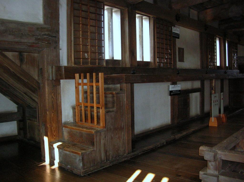 姫路城天守の石打棚