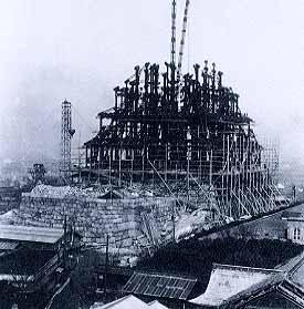 再建中の大阪城天守