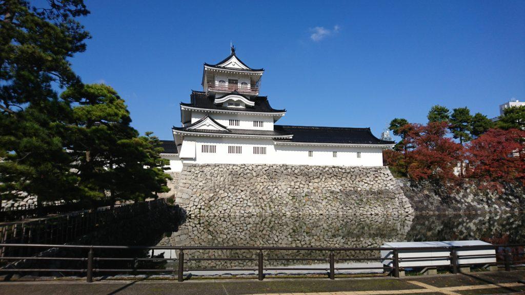 富山城跡に建つ富山市郷土博物館