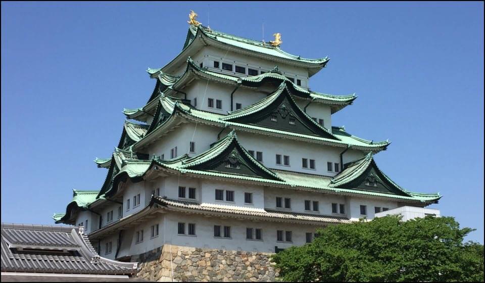 床面積日本一の名古屋城大天守