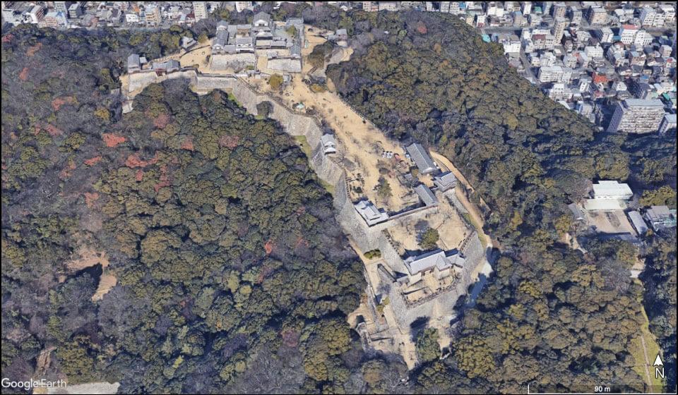 30棟もの建物が復元された伊予松山城の本丸