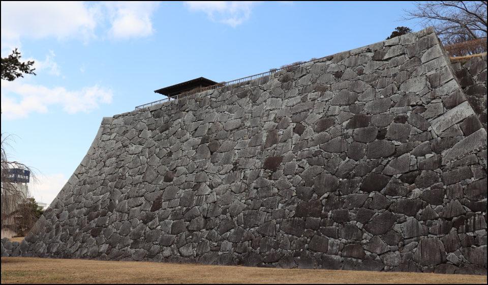 盛岡城の石垣