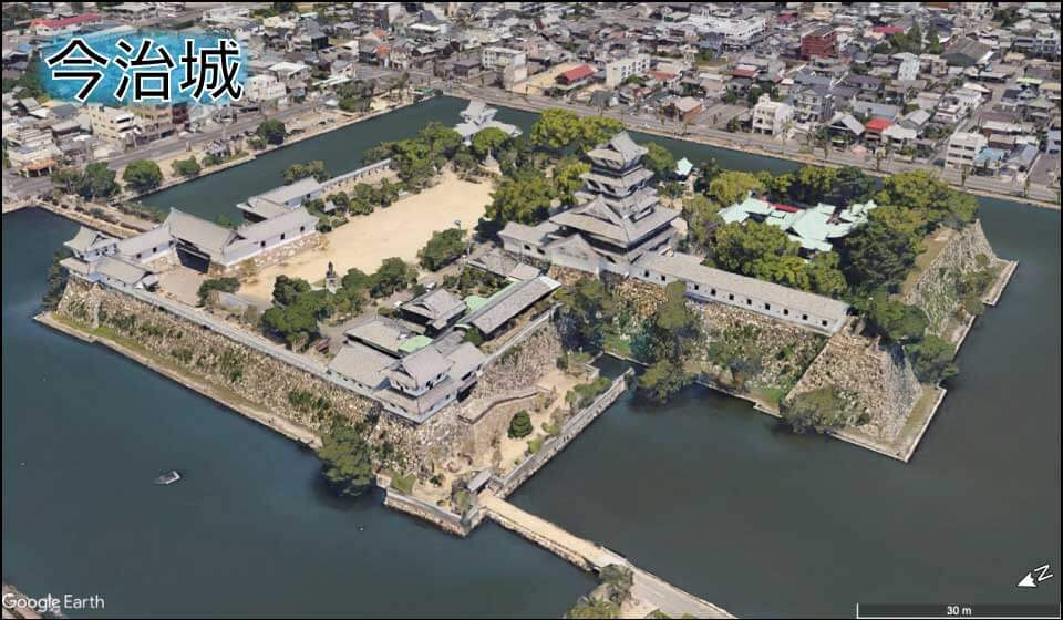 今治城の本丸|直線的で四角い形をしている